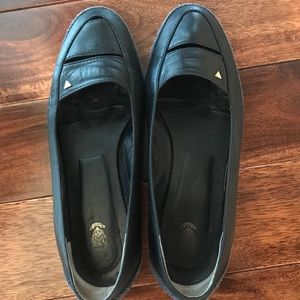 Vintage Gucci Loafers Navy w Gold Logo